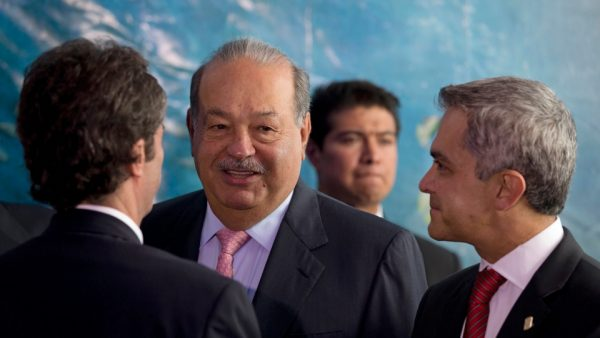 Carlos Slim and Miguel Mancera, Mexico City mayor. (File photo)