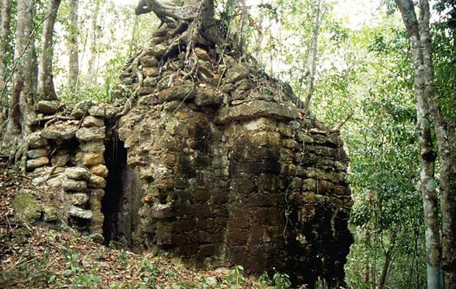 """""""It's a total gap in the archeological map of the Maya area,"""" (Slovenian archaeologist Ivan Sprajc)"""