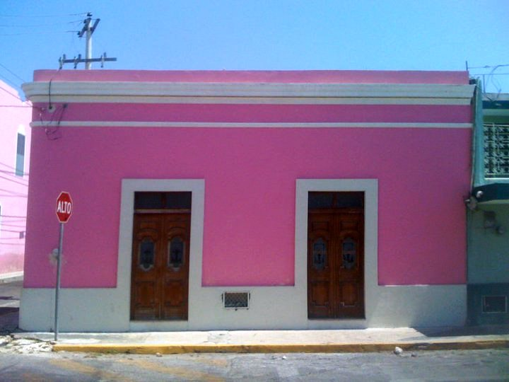 While a pink house stands out