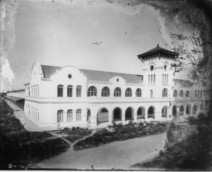 Merida Train Station shortly after its completion in 1920