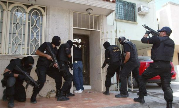 A total of 44 people, including seven minors, were rescued by federal and state authorities at a drug and alcohol rehabilitation center in the State of Mexico. (EFE/file)