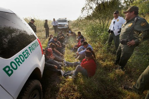 Illegal immigrants caught by the Border Patrol in South Texas (Photo: mrconservative.com)