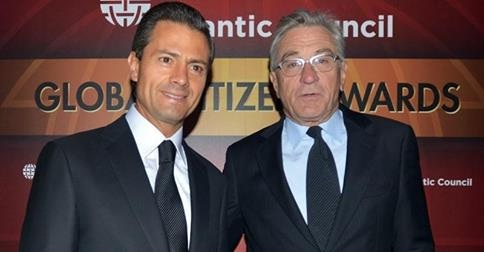 President Peña Nieto with actor, producer and director Robert De Niro (Photo: universal.com.mx)