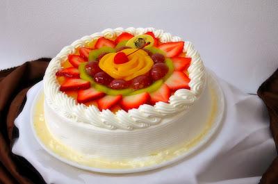 Pastel de 3 leches with fruit