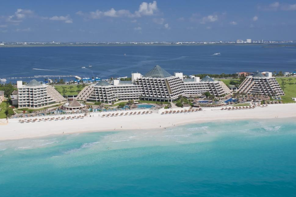 Paradisus Cancun sits on pristine Beach with white sands (NY Daily News)