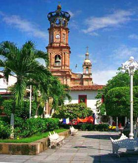 Church Plaza, Puerto Vallarta (Photo: banderasnews)