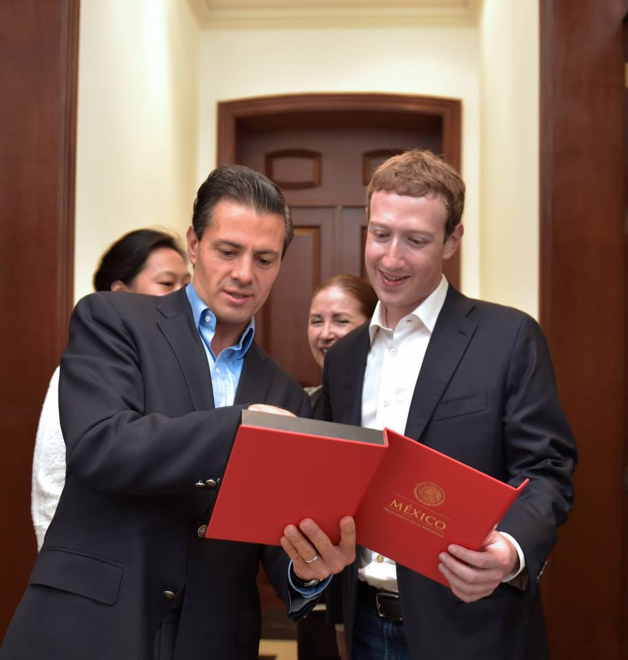 Enrique Peña Nieto and Mark Zuckerberg (Photo: sandiegored)