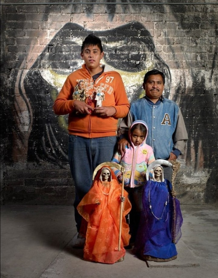 Santa Muerte devotees in Estado de México