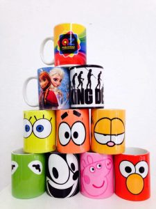 Mugs for gifts or as promotional giveaways (Photo: AZ Publicidad)