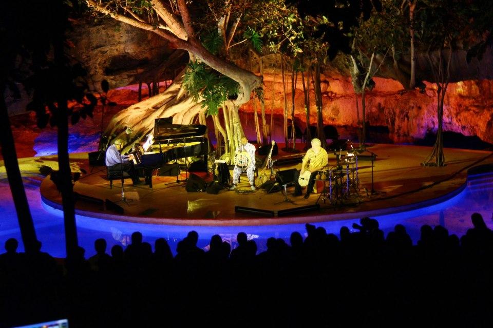 "Phillip Glass concert at ""Arbol de Luz"" San Pedro Ochil, Yucatán 2013."