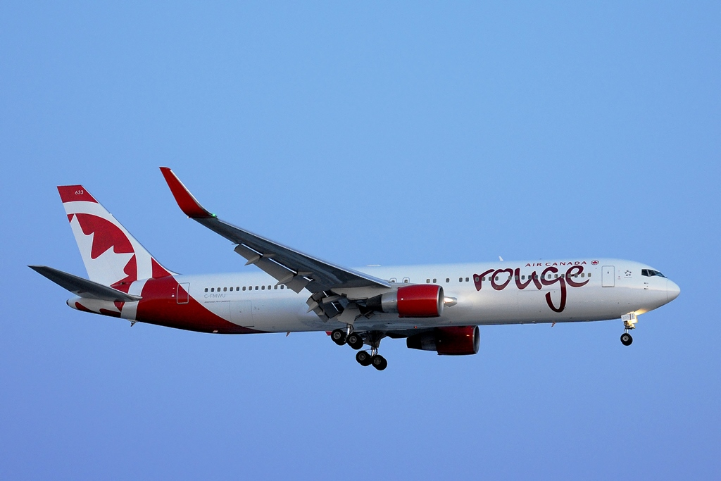 Air Canada rouge Boeing767 (credit Air Canada rouge)