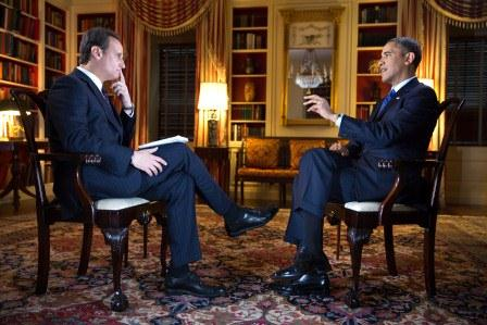 Obama interviewed by Jose Diaz Balart (Photo: Telemundo)