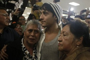 Adán Cortez was received by his family and friends. (Photo: Yadin Xolalpa )