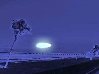 This glowing orb is purported to be have been a craft flying over Progreso this year. Photo: inexplicata.blogspot.com