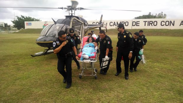 A State Police helicopter transported the woman to a private hospital in Mérida (www.yucatan.com.mx)
