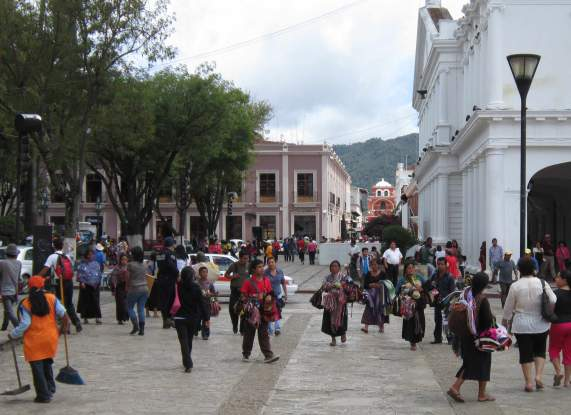 Downtown San Cristobal de las Casas (Photo: NoHayBronca)
