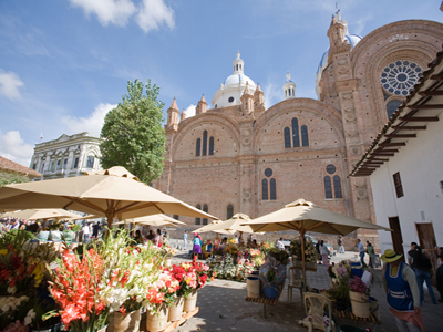 Flower market at Cuenca (Photo: International Living)