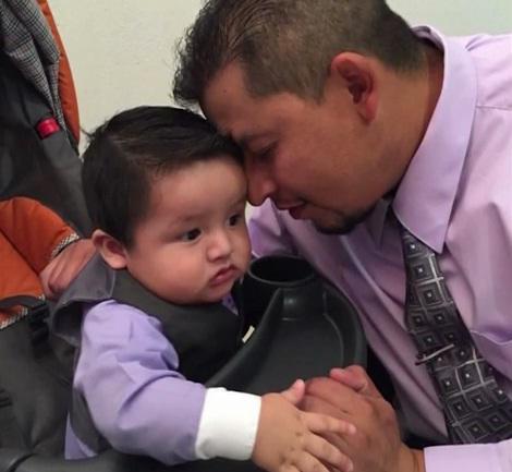 Ruben Garcia Villalpando with his son (Photo: Google)