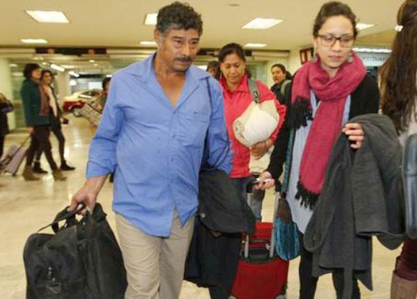 Ayotzinapa parents Bernabé Abraján Gaspar and Hilda Antonia Legideño arrive in Geneva.(Photo: LA JORNADA)