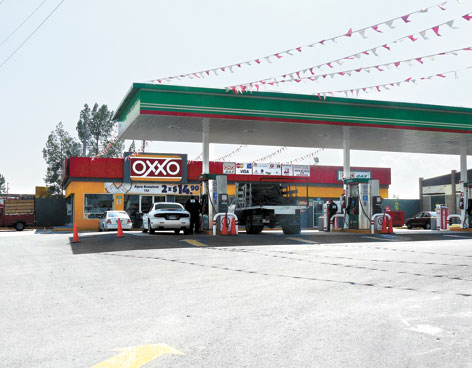 Femsa said it had agreed to acquire franchises for 227 gas stations where it already has Oxxo stores