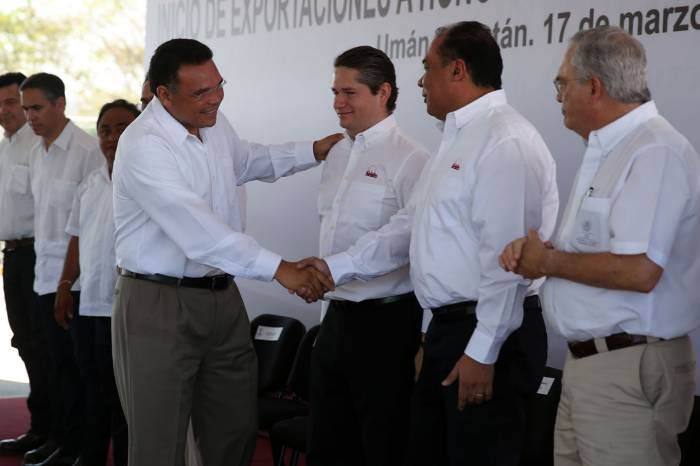 Governor Rolando Zapata attended the ceremony (Photo: sipse)