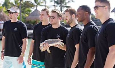 Fan vacation project brings football players and turtles together in Quintana Roo (Photo: Mexico Daily News)