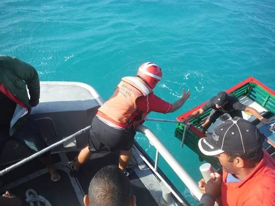 Mexican Marines rescue 14 Cuban immigrants off the Yucatan coast (Photo: yucatan.com.mx)