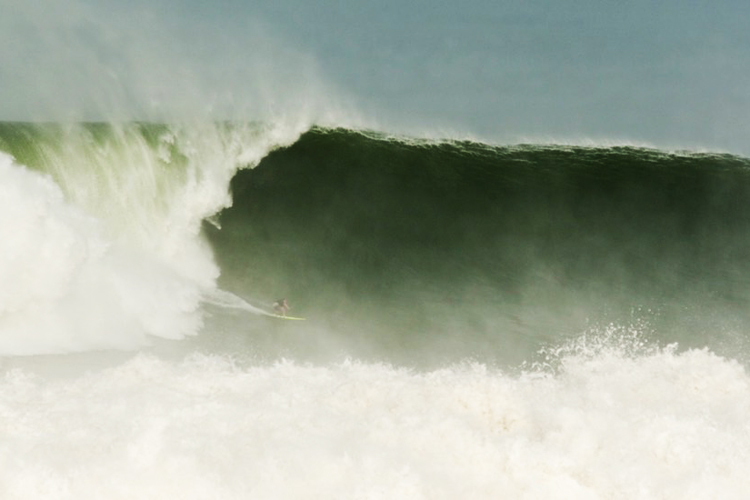 Mark Healey rides a monstrous wave at Puerto Escondido (Photo: http://www.surfertoday.com)
