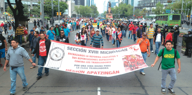 "In Michoacán and Oaxaca, the evaluation process for teachers was suspended because conditions made the exams ""impossible,"" according to education officials. CUARTOSCURO.COM /ARMANDO MONROY"