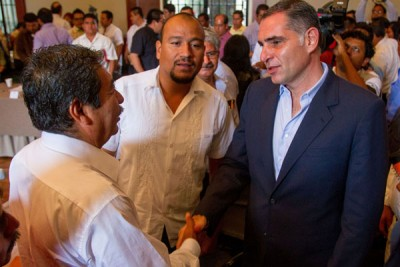 Núñez and Cué not so chummy anymore. (Photo: NEWS OAXACA)