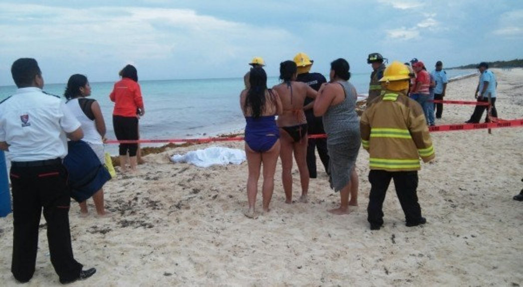 The tragic incident occurred at 17:00 hours on Friday at a beach located in Playacar. (Photo: Noticias Aqui)
