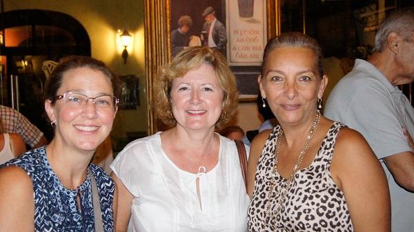 Denisse Crump-Micó, Trina Lawry, Patricia Westrick (Photo: Fabiola Villaseñor/TYT)