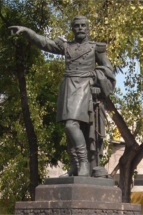 Monument to Manuel Cepeda Peraza Paseo de la Reforma, Mexico City (Sculptor:  Epitacio Calvo)