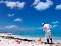 Photo: Dreamstime.com Cancun beach cleanup scheduled for Sept. 20.