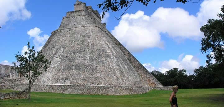 Uxmal was dominant in the Yucatan region from 875 to 900 CE by the Xiu Family who later built an alliance with the Spanish to survive. (Photo: https://www.locogringo.com)