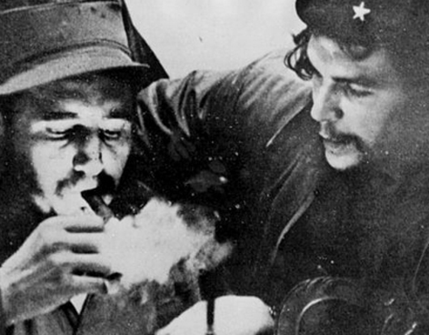 Fidel Castro and Che Guevara (Photo: Google)
