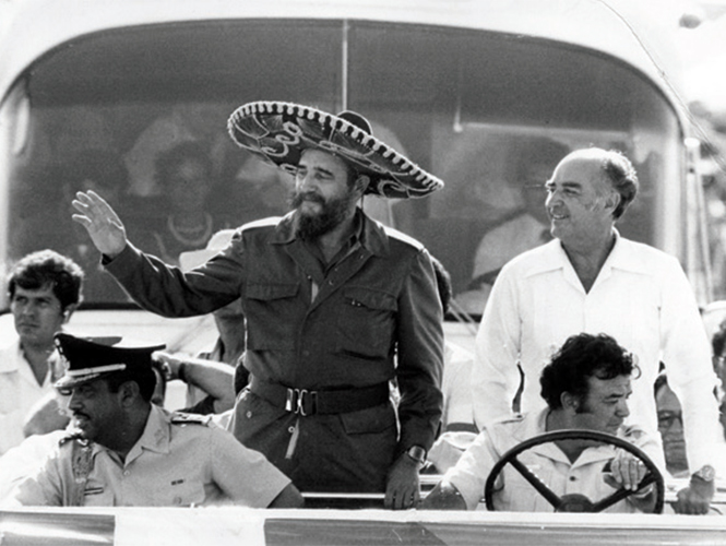 Fidel Castro and Jose Lopez Portillo in Cosumel in 1981 (Photo: Google)