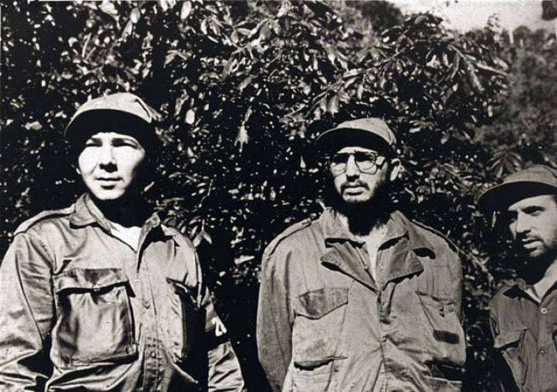 Raul Castro and his brother Fidel in 1958 (Photo: rtve.es)