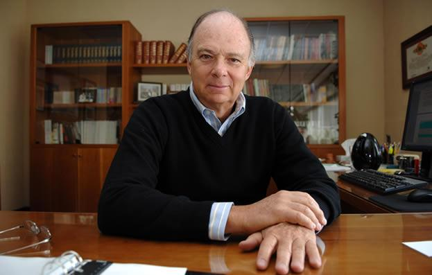 (PHOTO: culturacolectiva.com) Mexican author and historian Enrique Krauze.