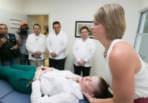 Photo: Yucatan state government Gov. Zapata views osteopathic demonstration at new clinic in Merida.