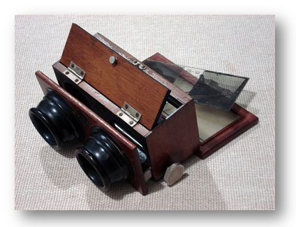 Stereoscopic photograph viewer (Photo: Eduardo Struck)