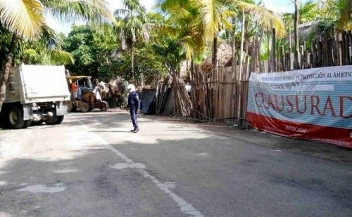 Developers in Tulum continue to work despite federal closure orders. (Photo: rivieramayanews.com)