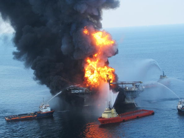 Controlled oil burn of the BP-operated offshore oil rig, Deepwater Horizon, in the Gulf of Mexico in 2010. (Photo : Getty Images)