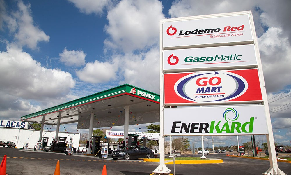 Pemex franchises and manage the green characteristic same image, but also promote the brand owner of the franchise group.  (Photo: revistaalianzaempresarial.com.mx)