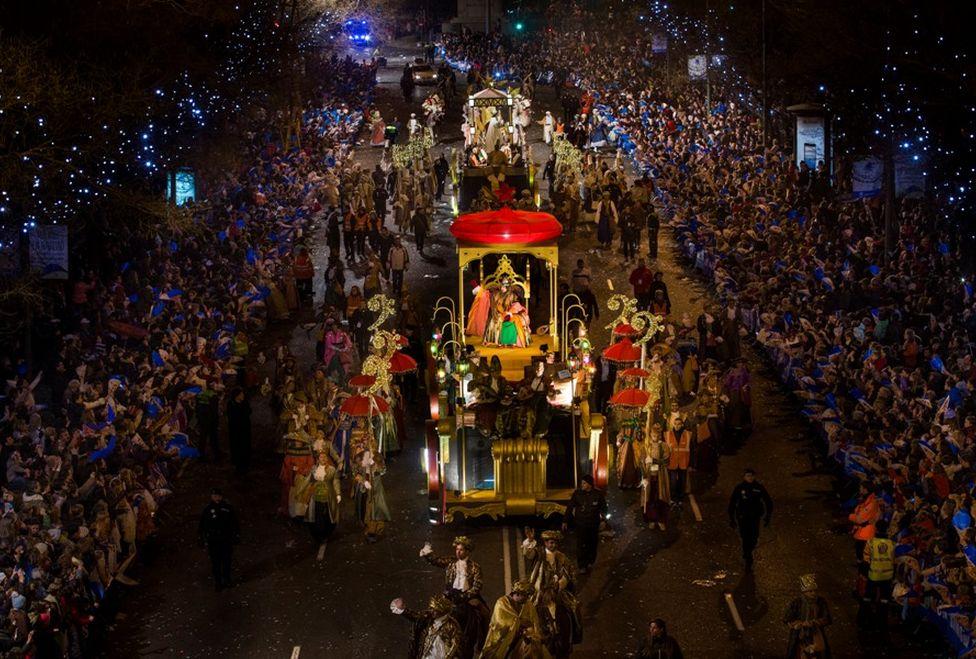 Cabalgata-Reyes-desfile-Magos-Madrid