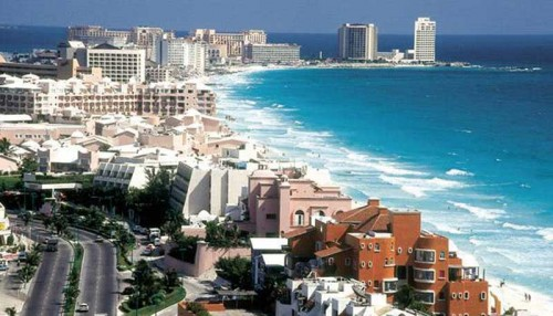 Tourism in Cancun and Quintana Roo continues to grow, with new hotels coming on linem in Latin America's busiest tourist destination. (PHOTO: luxuriousmexico.com)