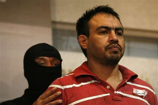 """Eleazar Medina Rojas, aka """"El Chelelo"""", is shown to the press during the after being arrested in Nuevo Laredo (Photo: terra.com)"""