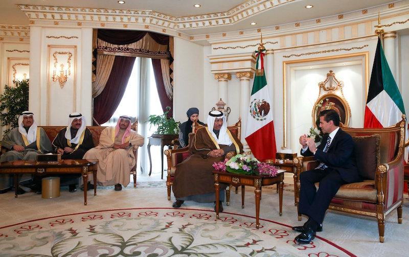 60120027. Kuwait, 20 Ene. 2016 (Notimex-Presidencia).- Como parte de sus actividades por esta ciudad, el presidente de México, Enrique Peña Nieto, se reunió con Su Alteza Jeque Yaber Al-Mubarak Al-Hámad Al Sabáh, primer ministro del Estado de Kuwait. NOTIMEX/FOTO/PRESIDENCIA/COR/POL/