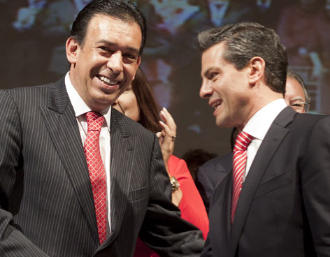 Humberto Moreira and Enrique Peña Nieto, May 2012 (Photo: Google)