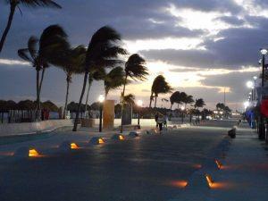 Sunrise along Progreso's malecon. (PHOTO: Robert Adams)